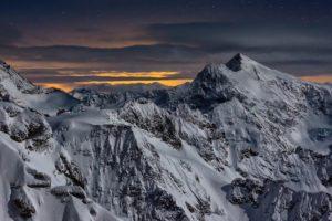 Mondnacht um das Sustenhorn, rechts, aufgenommen ab dem Titlis am 16. Februar 2013.